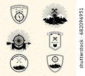 camping badges set | Shutterstock .eps vector #682096951