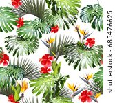 tropical floral pattern leaves... | Shutterstock . vector #685476625