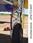 Small photo of Aircraft landing gear front view
