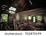 Old Ruined Abandoned House Vie...