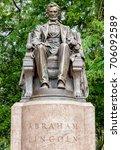 Small photo of Abraham Lincoln Statue in Grant Park, Chicago, Illinois