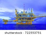 offshore construction platform... | Shutterstock . vector #722553751