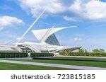 milwaukee art museum milwaukee... | Shutterstock . vector #723815185