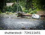 downed power lines in street... | Shutterstock . vector #724111651