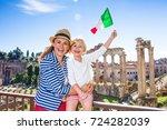 roman holiday. smiling modern...   Shutterstock . vector #724282039
