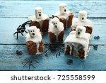 halloween cookies with... | Shutterstock . vector #725558599