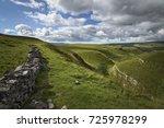 green hills typical english... | Shutterstock . vector #725978299