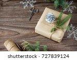 christmas gift box. christmas... | Shutterstock . vector #727839124