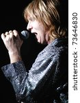 Постер, плакат: Vocalist Joe Elliott of