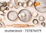 empty food baking table tins... | Shutterstock . vector #737876479