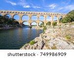 Roman Aqueduct  Pont Du Gard ...