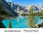 Morraine Lake / Banff National Park / Alberta / Canada