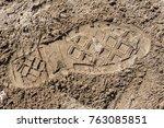 Approach To A Footprint Of Sho...