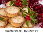 Christmas Mince Pies With Holl...