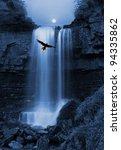 Постер, плакат: Natures capture Bird of