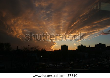 11/9/04 - A dramatic sunset over New York - ©2002 Robert Swanson