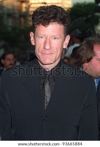 """04AUG97:  Actor/singer LYLE LOVETT at the premiere in Los Angeles of his ex-wife Julia Roberts' new movie, """"Conspiracy Theory."""" - stock photo"""