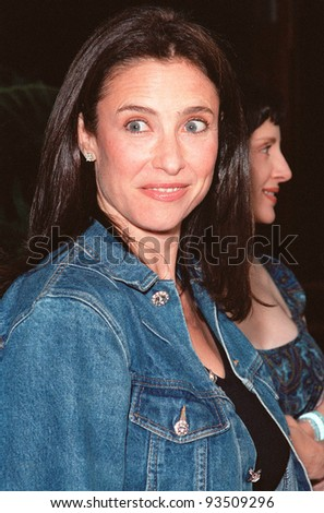 "10AUG99: Actress MIMI ROGERS at the Los Angeles premiere of  ""Bowfinger"" which stars Eddie Murphy & Steve Martin.  Paul Smith / Featureflash - stock photo"
