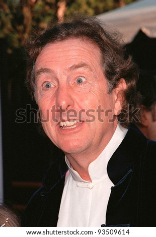 "10AUG99: Monty Python star ERIC IDLE at the Los Angeles premiere of  ""Bowfinger"" which stars Eddie Murphy & Steve Martin.  Paul Smith / Featureflash - stock photo"