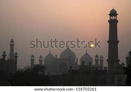 Badshahi Mosque Lahore, Pakistan One of the most famous landmarks and tourist destination of Pakistan built in 16th century is also one of the largest mosques in the world.