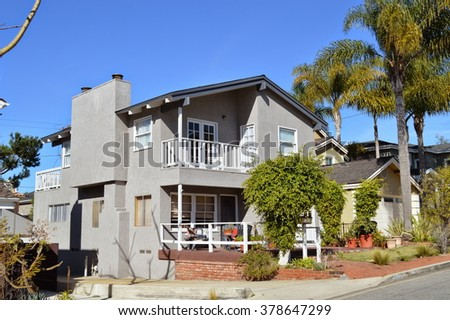 Beautiful houses and estates in the Manhattan Beach City, CA.
