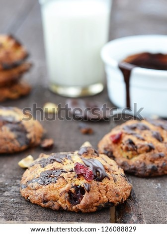 chocolate and nuts cookies