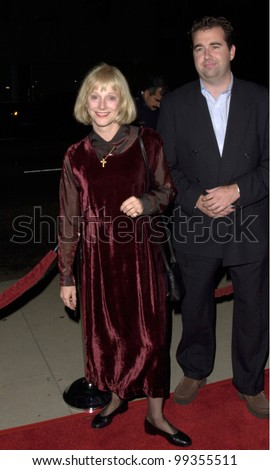"02DEC99: Actress SONDRA LOCKE, former girlfriend of Clint Eastwood, at the Los Angeles premiere of Woody Allen's new movie ""Sweet and Lowdown"" which stars Sean Penn. - stock photo"