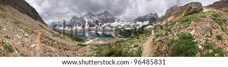 360 degree of the Valley of the Ten peaks, Lake Louise, Banff National Park, Alberta, Canada The start point for this easy hike is Moraine Lake Parking Lot. This is about 1-1/2 hour hike - one way. - stock photo