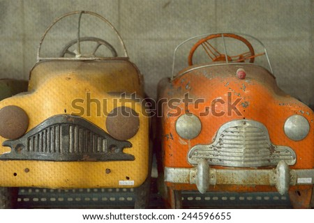 """""""detail of retro toy car"""" Mural. The paper painting  concept - stock photo"""