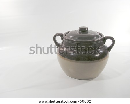 earthenware pot used in Quebec to cook beans with lard -