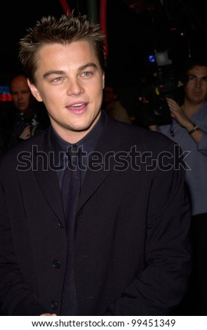 """02FEB2000:  Actor LEONARDO DiCAPRIO at the Hollywood premiere of his new movie """"The Beach"""" in which he stars with Virginie Ledoyen.  Paul Smith / Featureflash - stock photo"""