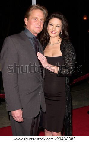 "22FEB2000: Actor MICHAEL DOUGLAS & actress fiance CATHERINE ZETA-JONES at the world premiere of his new movie ""Wonder Boys"" in Hollywood.  Paul Smith / Featureflash - stock photo"