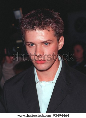 """25FEB99:  Actor RYAN PHILLIPPE at the premiere of his new movie """"Cruel Intentions"""" in which he stars with Sarah Michelle Gellar.  Paul Smith / Featureflash - stock photo"""
