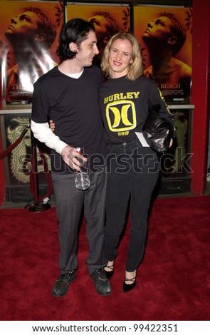 "02FEB2000:  Actress JULIETTE LEWIS & husband STEVE BERRA at the Hollywood premiere of ""The Beach"" which stars Leonardo DiCaprio & Virginie Ledoyen.  Paul Smith / Featureflash - stock photo"