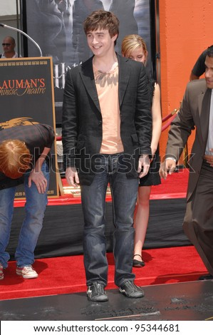 """""""Harry Potter"""" star Daniel Radcliffe at hand, foot & wand-print ceremony at Grauman's Chinese Theatre, Hollywood. July 9, 2007  Los Angeles, CA Picture: Paul Smith / Featureflash - stock photo"""