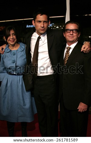 """03/23/2005 - Hollywood - Enrique Murciano at the """"Miss Congeniality 2: Armed and Fabulous"""" Premiere at the Chinese Theatre. - stock photo"""
