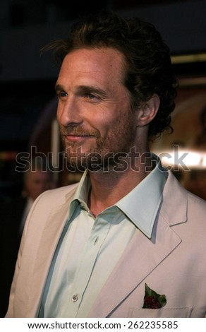 "04/04/2005 - Hollywood - Matthew McConaughey at the ""Sahara"" Premiere at the Grauman's Chinese Theater. - stock photo"