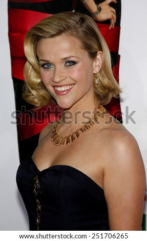 "20/11/2008 - Hollywood - Reese Witherspoon at the World Premiere of ""Four Christmases"" held at the Grauman's Chinese Theater in Hollywood, California, United States."