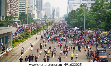september 18 2017 people at car free day jakarta