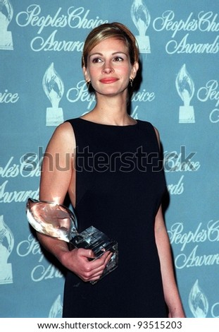 11JAN98:  Actress JULIA ROBERTS at the People's Choice Awards in Los Angeles where she won the Favorite Movie Actress award. - stock photo