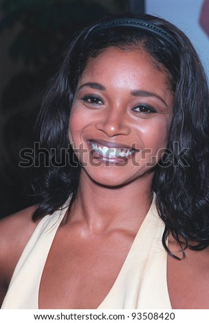 "12JUL99: Actress TAMALA JONES at the Los Angeles premiere of ""Drop Dead Gorgeous"" - a comedy following a small town's obsession with its teenage beauty contest.  Paul Smith / Featureflash"