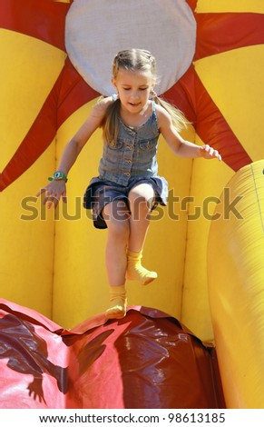 Jumps on inflatable attractions