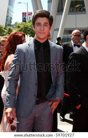 LOS ANGELES - AUG 21:  David Henrie arrives at the 2010 Creative Primetime Emmy Awards at Nokia Theater at LA Live on August 21, 2010 in Los Angeles, CA