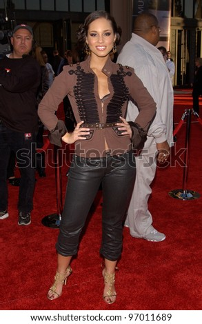 20041114: Los Angeles, CA: Singer ALICIA KEYS at the 32nd Annual American Music Awards at the Shrine Auditorium, Los Angeles, CA.