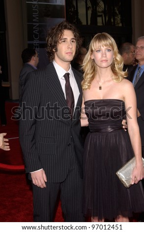 20041114: Los Angeles, CA: Singer JOSH GROBAN & girlfriend actress JANUARY JONES at the 32nd Annual American Music Awards at the Shrine Auditorium, Los Angeles, CA.