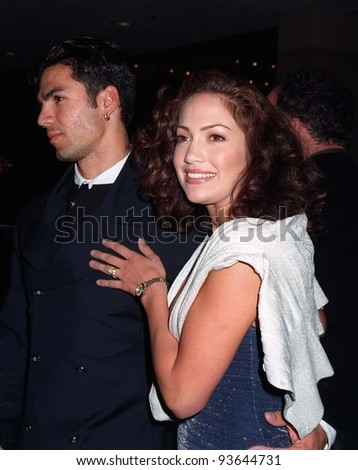 """31MAR97:  Actress JENNIFER LOPEZ & husband at the premiere of """"That Old Feeling"""". Pix: PAUL SMITH - stock photo"""