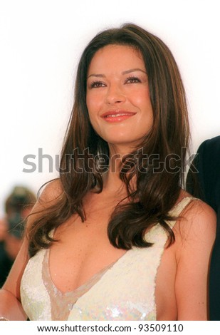 """14MAY99: Actress CATHERINE ZETA JONES at the Cannes Film Festival to promote her new movie """"Entrapment.""""  Paul Smith / Featureflash - stock photo"""