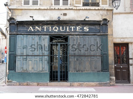 2 may 2013-beaune-francia-beautiful and antique shops in beaune burgundy france