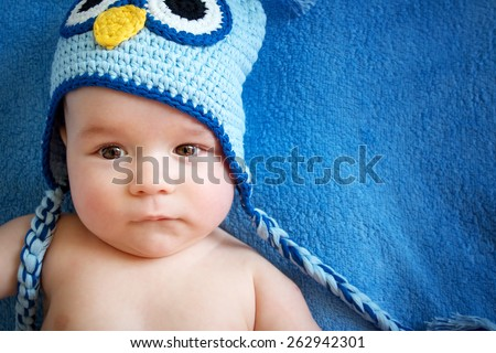4 month old baby in owl hat