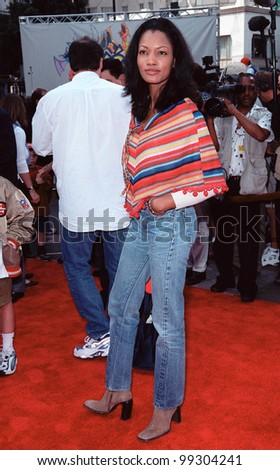 "06NOV99: Actress GARCELLE BEAUVAIS at world premiere of animated movie ""Pokmon"" at Mann's Chinese Theatre, Hollywood.  Paul Smith / Featureflash"
